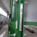 монтаж ручки алюминиевой двери